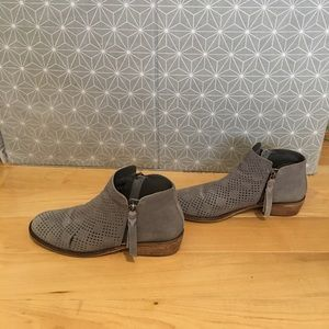 Women's charcoal suede ankle boots